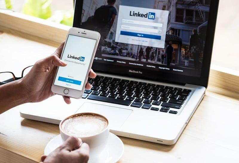 come scrivere riepilogo di linkedin