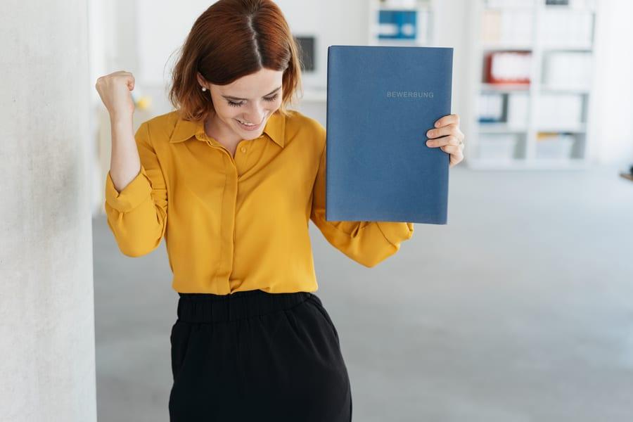 candidata esulta dopo aver trovato un impiego grazie al job crafting