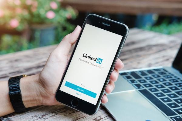 schermata di accesso linkedin, il social su cui creare una rete professionale forte